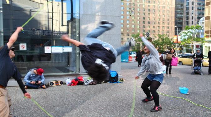 Des cours de récrés françaises au Bronx, petite histoire du double dutch