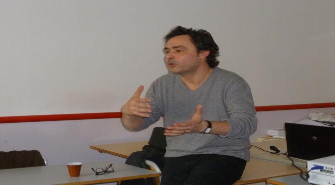 Pascal Verroust, producteur de cinéma et de télévision devant les CAP du LP Balavoine