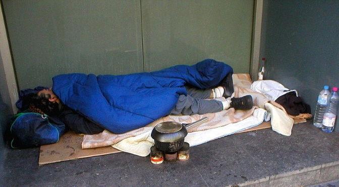 Des sans-abris pas sans habits